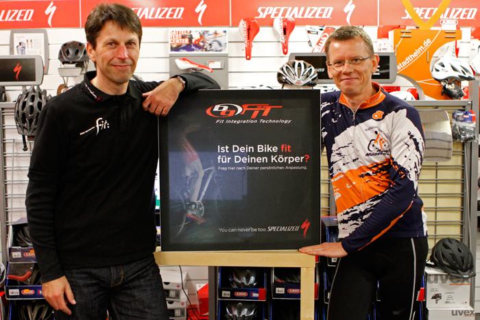 BG Fit Experte Thomas Scherer (links) und Proband Martin Langenfeld | Foto: Michael Sandner