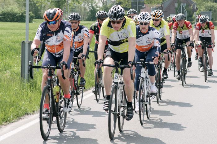 RCler spenden den BIG Challenge Teilnehmern Windschatten | Pressefoto: Big Challenge