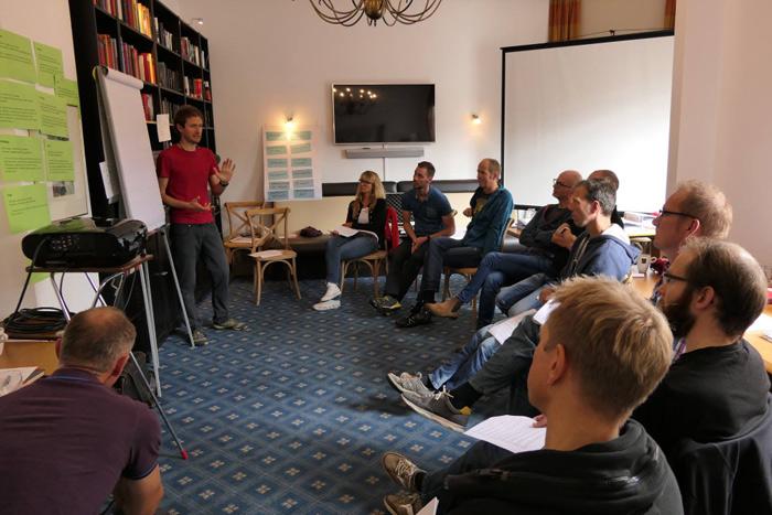 Theoretischer Unterricht bei der Qualifizierung zum Bike Guide | Foto: Bike4passion